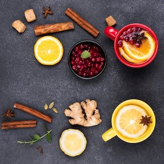 Bovenaanzicht thee met citroensmaak