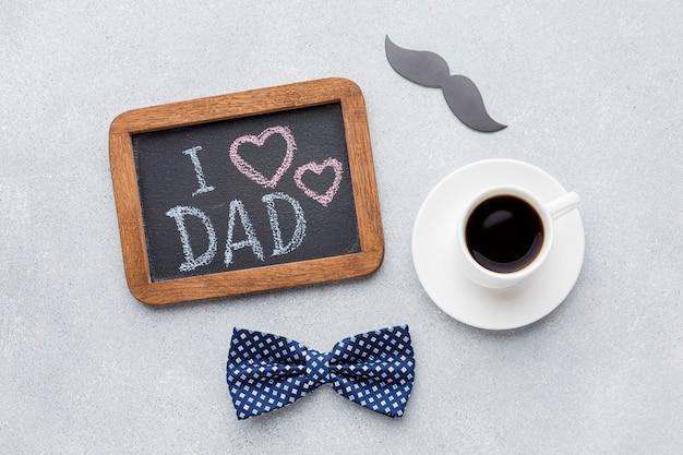 Bovenaanzicht vaderdag concept met koffie