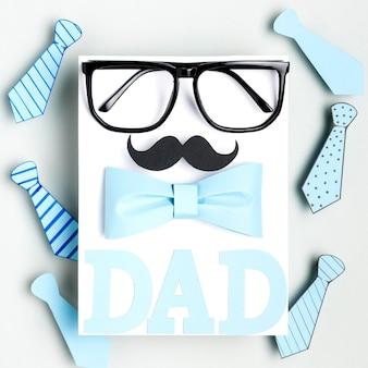 Bovenaanzicht vaderdag concept met snor
