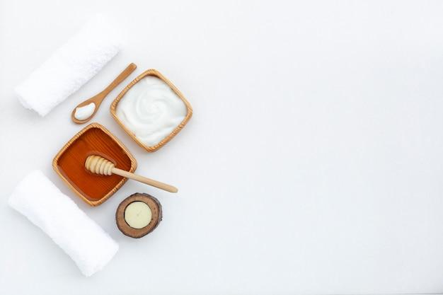Bovenaanzicht van body butter cream met kopie ruimte
