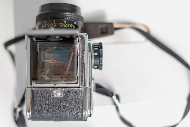 Bovenaanzicht van camera met kopie ruimte