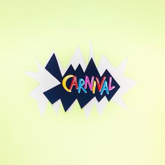 Bovenaanzicht van carnaval op papier uitgesneden