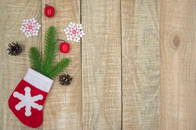 Bovenaanzicht van christmas stocking op houten achtergrond