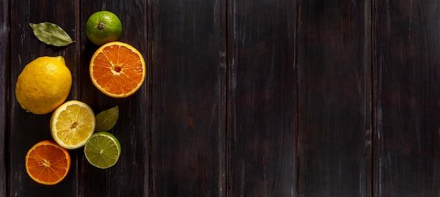 Bovenaanzicht van citrusvruchten met kopie ruimte