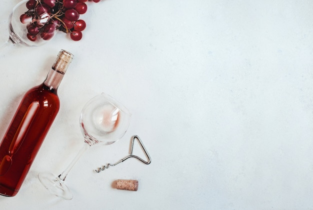 Bovenaanzicht van fles wijn set