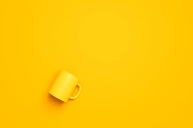 Bovenaanzicht van gele koffiekopje of lege mok voor drank op levendige kleurenachtergrond