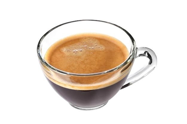 Bovenaanzicht van glazen kopje espresso koffie geïsoleerd op een witte achtergrond