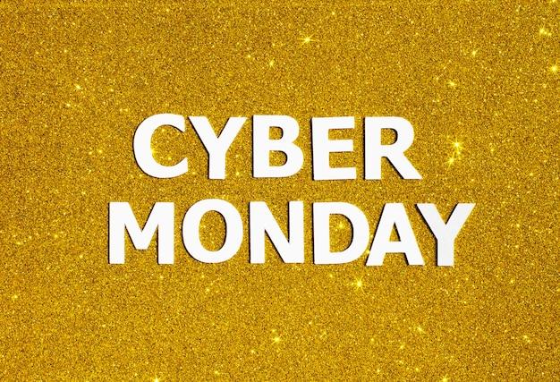 Bovenaanzicht van gouden glitter voor cyber maandag