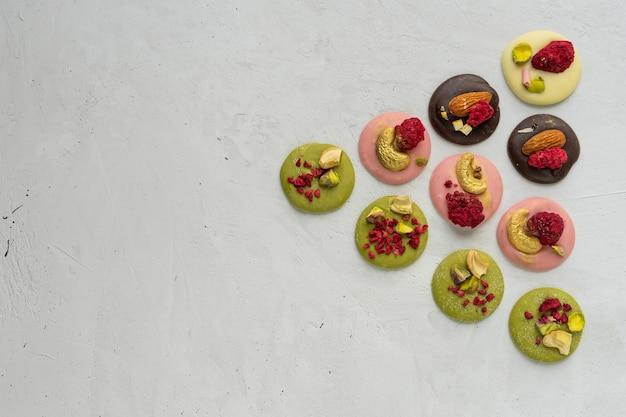 Bovenaanzicht van handgemaakte belgische chocolade