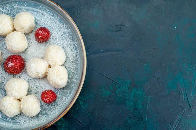 Bovenaanzicht van heerlijke kokosballen