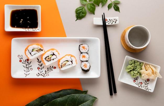 Bovenaanzicht van heerlijke sushi-concept