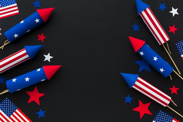 Bovenaanzicht van het vuurwerk van de onafhankelijkheidsdag met sterren en amerikaanse vlaggen