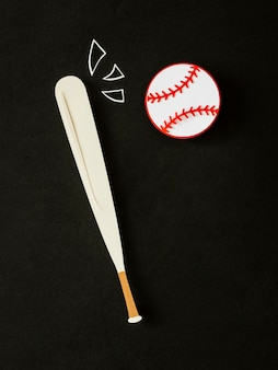 Bovenaanzicht van honkbal en knuppel