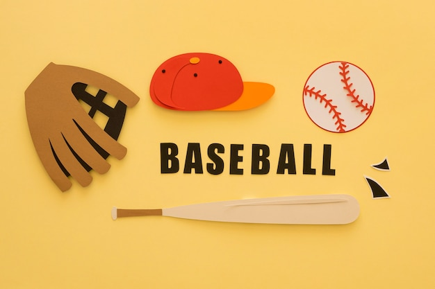 Bovenaanzicht van honkbal met knuppel, handschoen en pet