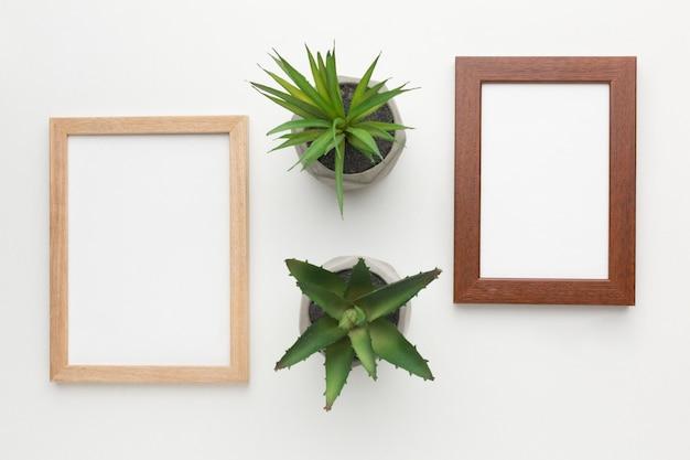 Bovenaanzicht van houten frames met kopie ruimte
