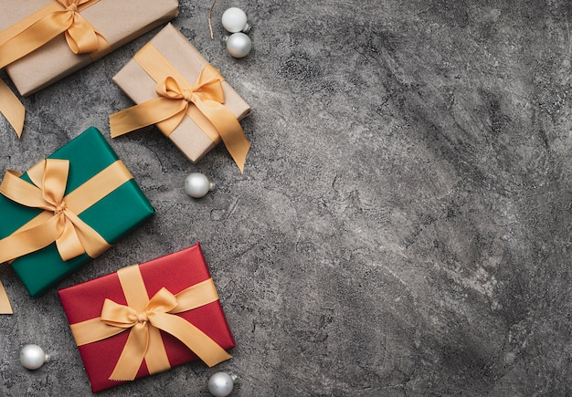 Bovenaanzicht van kerstmis geschenken met kopie ruimte