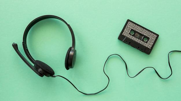 Bovenaanzicht van koptelefoon muziek concept