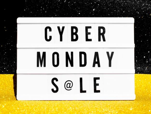 Bovenaanzicht van lichtbak voor cyber maandag met glitter