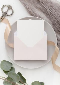 Bovenaanzicht van mooie bruiloft concept met kopie ruimte
