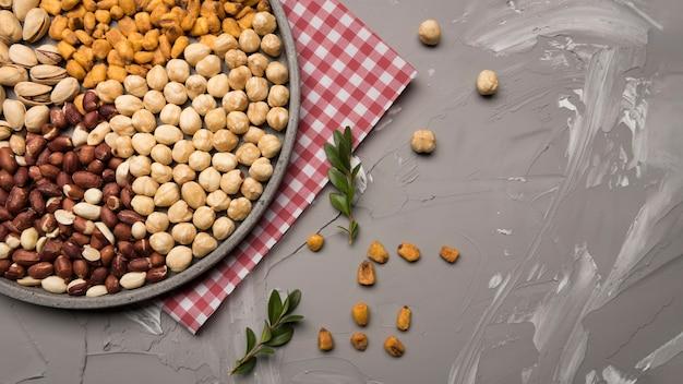 Bovenaanzicht van noten assortiment