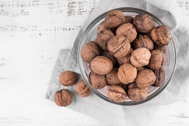 Bovenaanzicht van noten regeling met kopie ruimte