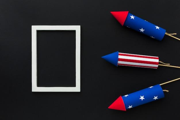 Bovenaanzicht van onafhankelijkheidsdag vuurwerk en frame