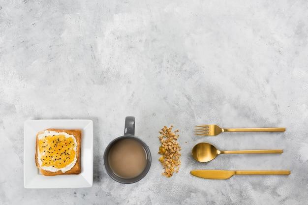 Bovenaanzicht van ontbijt met kopie ruimte