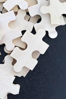 Bovenaanzicht van puzzelstukjes