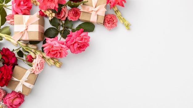 Bovenaanzicht van valentijnsdag conncept met kopie ruimte Premium Foto