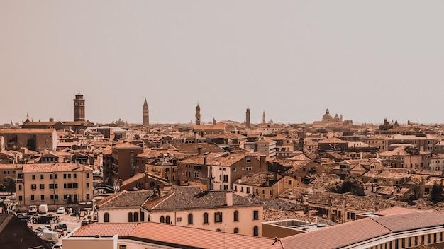Bovenaanzicht van venetië, vanuit de lucht, vanuit een drone. architectuur en bezienswaardigheden van venetië