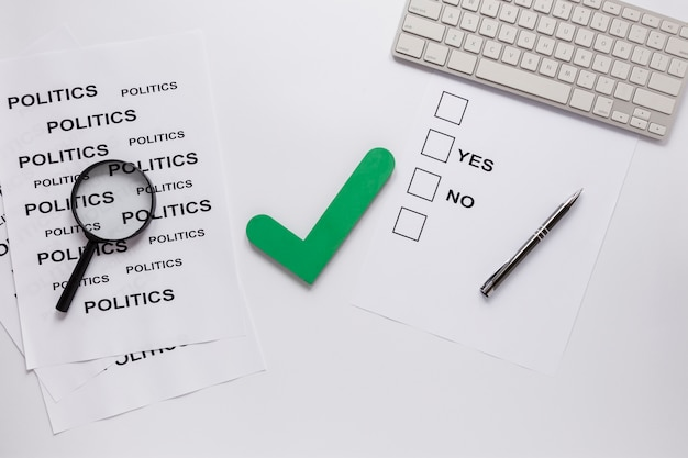 Bovenaanzicht van verkiezingen concept met kopie ruimte