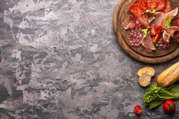 Bovenaanzicht van vlees concept met kopie ruimte