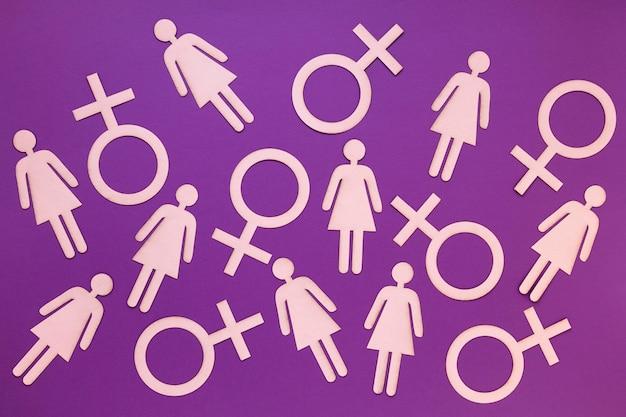 Bovenaanzicht van vrouwelijke symbolen voor vrouwendag