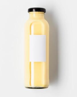 Bovenaanzicht van vruchtensap fles