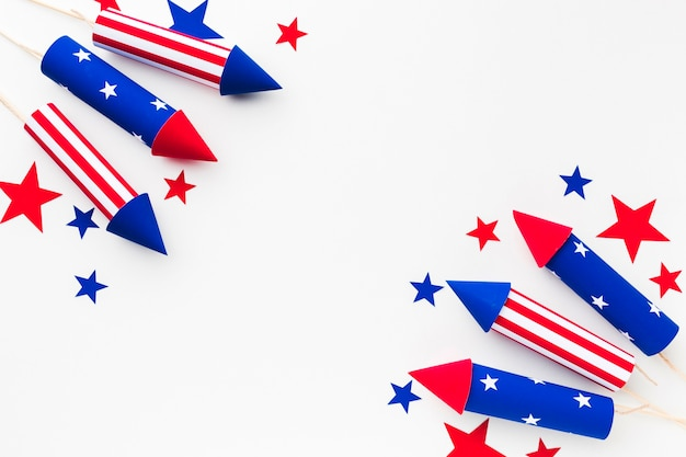 Bovenaanzicht van vuurwerk voor onafhankelijkheidsdag met sterren