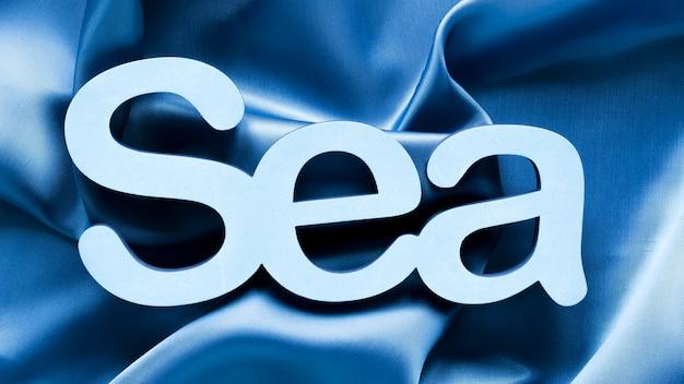Bovenaanzicht van zee op textiel