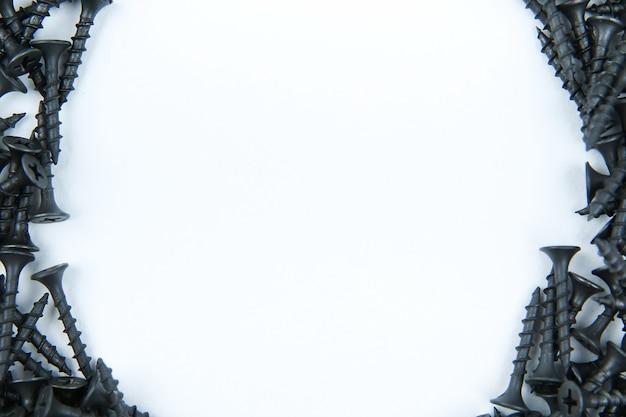 Bovenaanzicht van zwarte schroeven