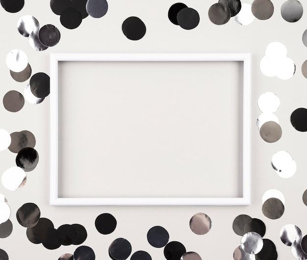Bovenaanzicht verjaardagsdecoratie met frame