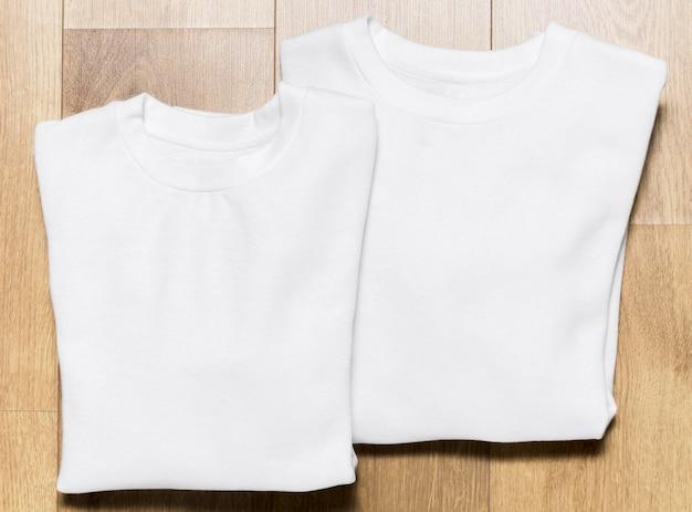 Bovenaanzicht verpakt witte hoodie set