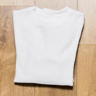 Bovenaanzicht verpakt witte hoodie