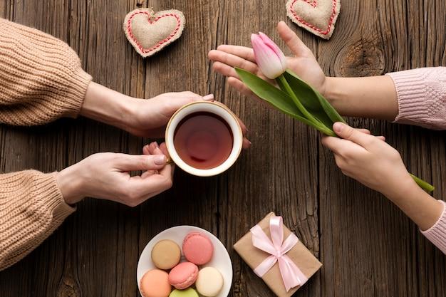 Bovenaanzicht verrassing voor moederdag feest