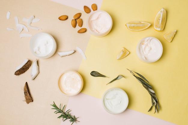 Bovenaanzicht verscheidenheid aan biologische producten