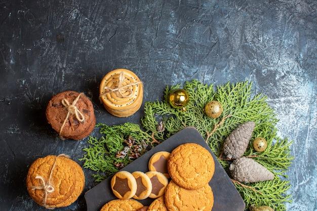 Bovenaanzicht verschillende heerlijke koekjes
