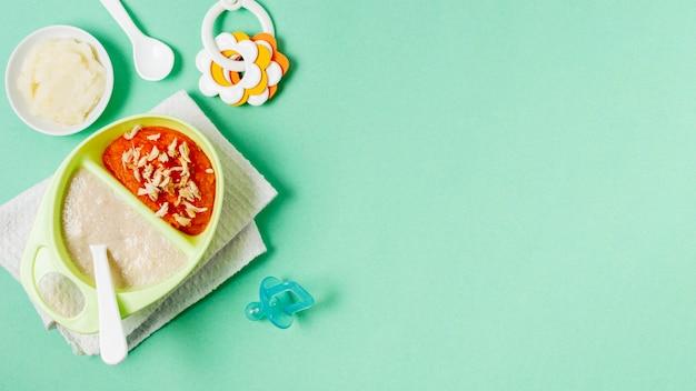 Bovenaanzicht voedsel frame met groene achtergrond