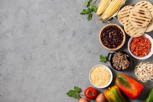 Bovenaanzicht voedsel frame met kopie-ruimte