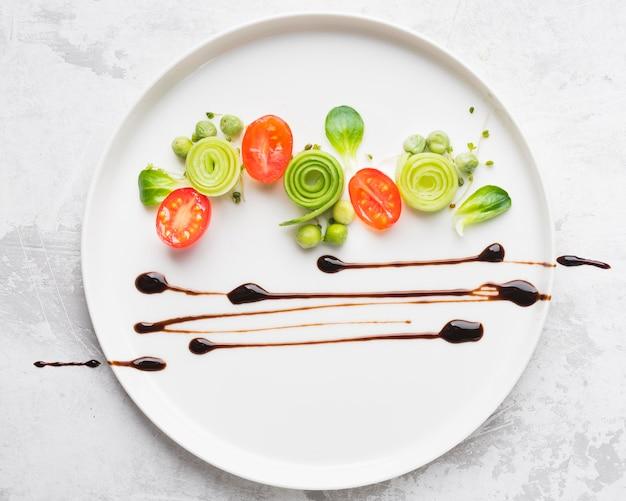 Bovenaanzicht voedsel plating decoratie