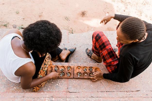 Bovenaanzicht vrouwen spelen spel