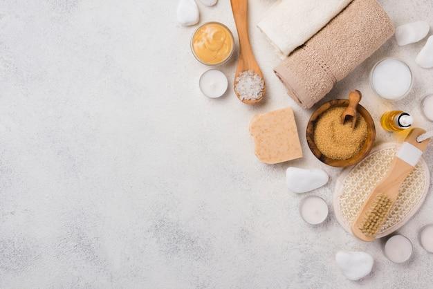 Bovenaanzicht wellness-accessoires voor spa met kopie ruimte