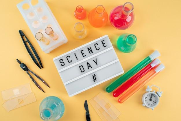 Bovenaanzicht wereldwetenschapsdag arrangement
