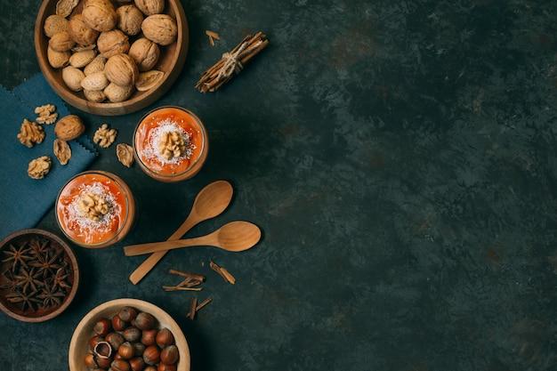 Bovenaanzicht winter dessert met kopie ruimte